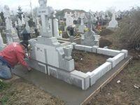 monument funerar 16