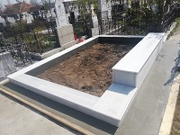 monument funerar 44